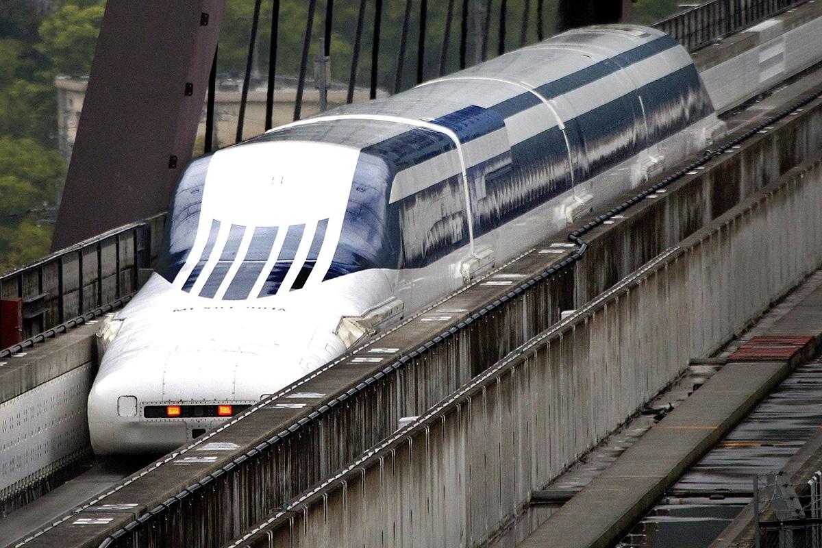 """Досадашни рекордер у брзини је јапански """"маглев"""" ЈR Central, изграђен 2015. године са 603 km/h."""