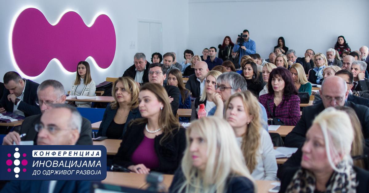 "<a class='mef_link_blue' href='http://mef.edu.rs/sr/obavestenja/novosti/uspesno-odrzana-konferencija-inovacijama-do-odrzivog-razvoja' target='_blank'>                           <div>Успешно одржана конференција</div>                           <div class='mali_opis_slider'>""Иновацијама до одрживог развоја""<br>&nbsp;</div></a>"