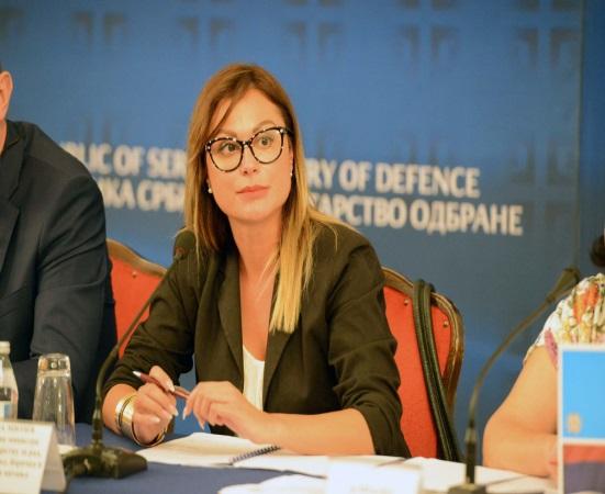 Нина Митић